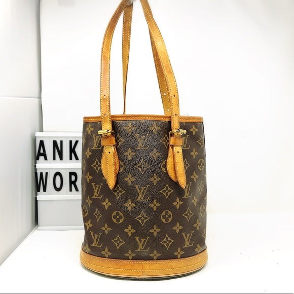 ebf2eff3e249 Louis Vuitton Handbags - Louis Vuitton Bucket PM monogram tote bag